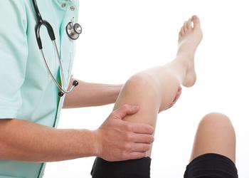 Cape Coral orthopedic Darrick Saunders, MD
