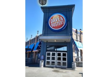 Kansas City sports bar Dave & Buster's
