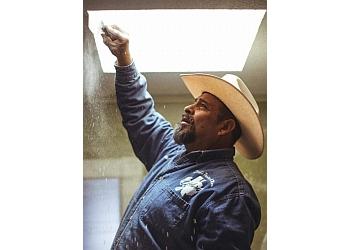 El Paso painter David's Painting & More