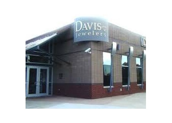 Louisville jewelry Davis Jewelers Inc.