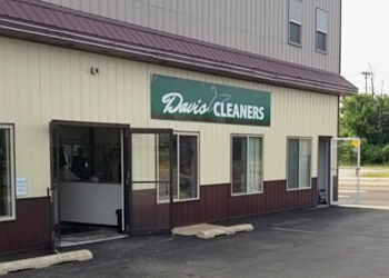 Springfield dry cleaner Davis Cleaners