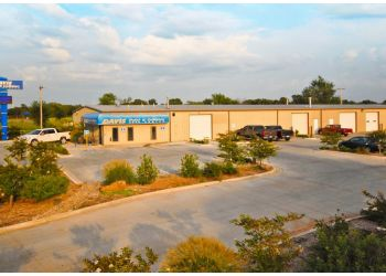 Oklahoma City auto body shop Davis Paint & Collision Auto Center