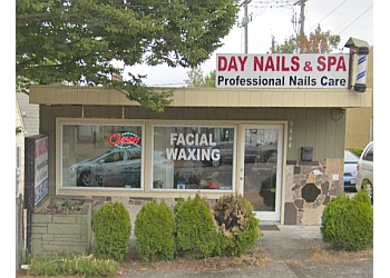 Seattle nail salon Day Nails & Spa