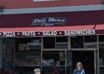 Long Beach pizza place Deli News Pizza