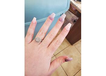 Springfield nail salon Deluxe Nails & Spa
