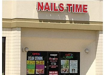 Sterling Heights nail salon Deluxe Nails Time