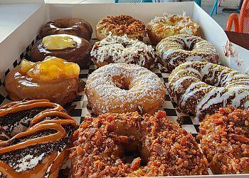 Phoenix donut shop Desert Donuts