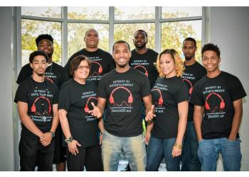 Detroit dj Detroit DJ Entertainment