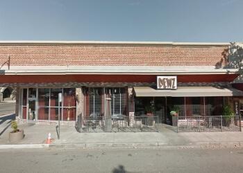 Modesto american cuisine Dewz Restaurant