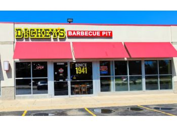 Rockford barbecue restaurant Dickeys Barbecue Pit