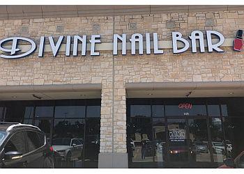 Carrollton nail salon Divine Nail Bar