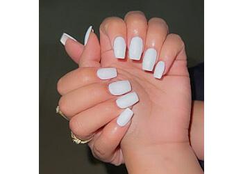 Hollywood nail salon Divine Nails