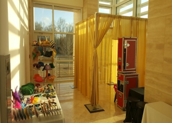 Montgomery photo booth company Dixieland Photo & Photo Booth Rental