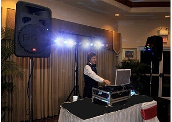 Jacksonville dj DjsToGo Wedding & Party Pros
