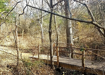 Grand Prairie hiking trail Dogwood Canyon Audubon Center