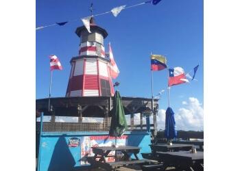 Bridgeport seafood restaurant Dolphin's Cove Restaurant & Marina