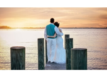Cape Coral wedding photographer Doodle Fly Photography