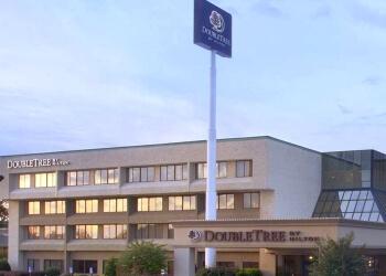 Fayetteville hotel Double Tree by Hilton Hotel