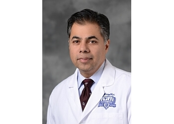 Detroit plastic surgeon Aamir Siddiqui, MD