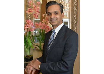 Elgin ent doctor Dr. Aijaz Alvi, MD