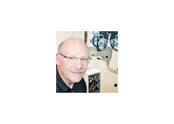Minneapolis eye doctor Dr. Alan Diamond, OD