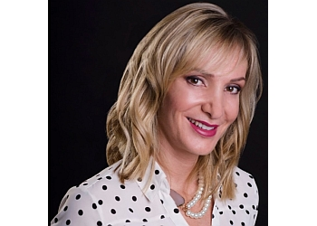 Albuquerque cosmetic dentist Dr. Alicia Abeyta, DDS