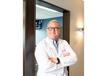 Cincinnati cosmetic dentist Dr. Glen R.Meyer, DDS