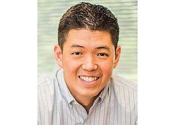 Houston cosmetic dentist Dr. Borwen Paul Lee, DDS