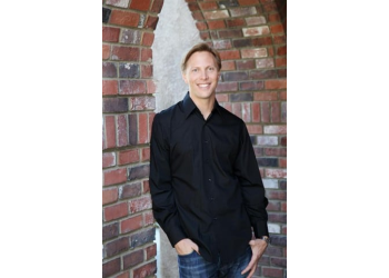 Riverside cosmetic dentist Dr. Chad Tomazin, DDS