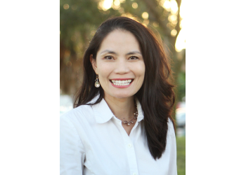 St Petersburg cosmetic dentist Dr. Cindy Nguyen Brayer, DMD