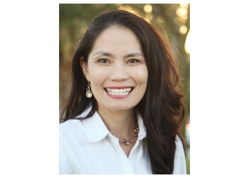 St Petersburg cosmetic dentist Dr. Cindy Nguyen Brayer, DMD