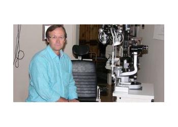 Lakewood pediatric optometrist Dr. Craig Finch, OD