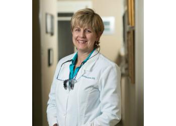 Austin dentist Dr. Cynthia L Graves, DDS