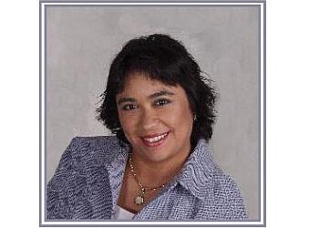 Hollywood dentist Dr. Dalinda Canela-Pichardo, DDS