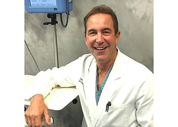 Tampa plastic surgeon Daniel P. Greenwald, MD