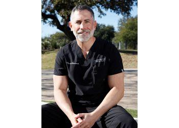 Austin chiropractor Dr. Daniel Shaddock, DC