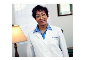 Newport News podiatrist Dr. Debra Womick Lee, DPM