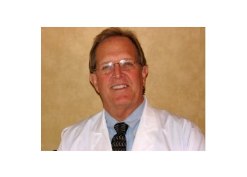 Knoxville cosmetic dentist Dr. Donnie Dean, DDS