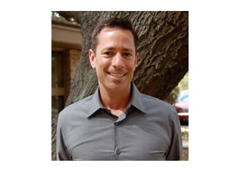 Thousand Oaks cosmetic dentist Dr. Ean Kleiger, DDS