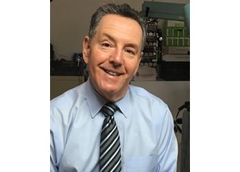 Newark pediatric optometrist Dr. Edward Maslansky, OD