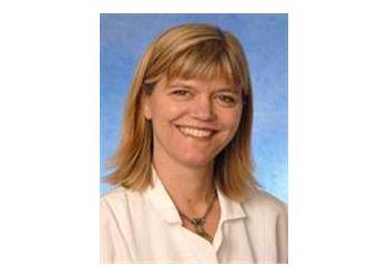 Portland endocrinologist Dr. Elizabeth Stephens, MD