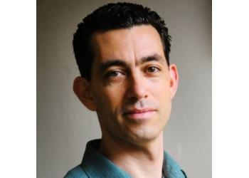Oakland chiropractor Dr. Elon Bartlett, DC