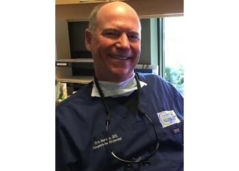 Cincinnati cosmetic dentist Dr. Eric Henize, DDS