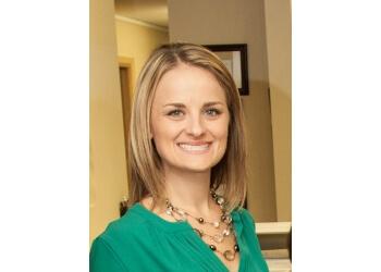 St Louis cosmetic dentist Dr. Erin Scimone, DDS