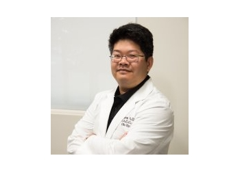 Bakersfield gynecologist Dr. Hans Yu, DO