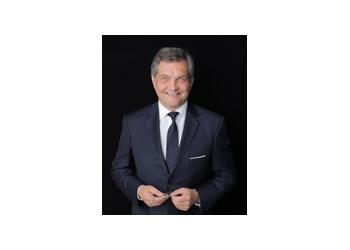 New York neurosurgeon Dr. Hartl Roger, MD