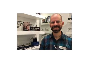 Miami pediatric optometrist Dr. Henry Vazquezc, OD