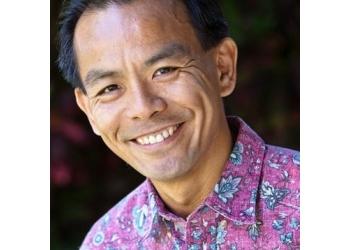 Honolulu chiropractor Dr. Hong Zeng J. Yuen-Schat, DC