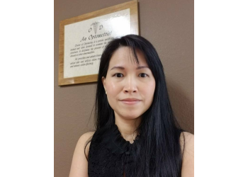 Moreno Valley eye doctor Dr. Huong Vu, OD