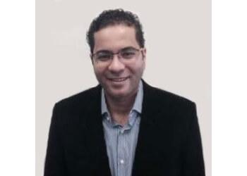 Akron cosmetic dentist Dr. Hussein Elrawy, DDS